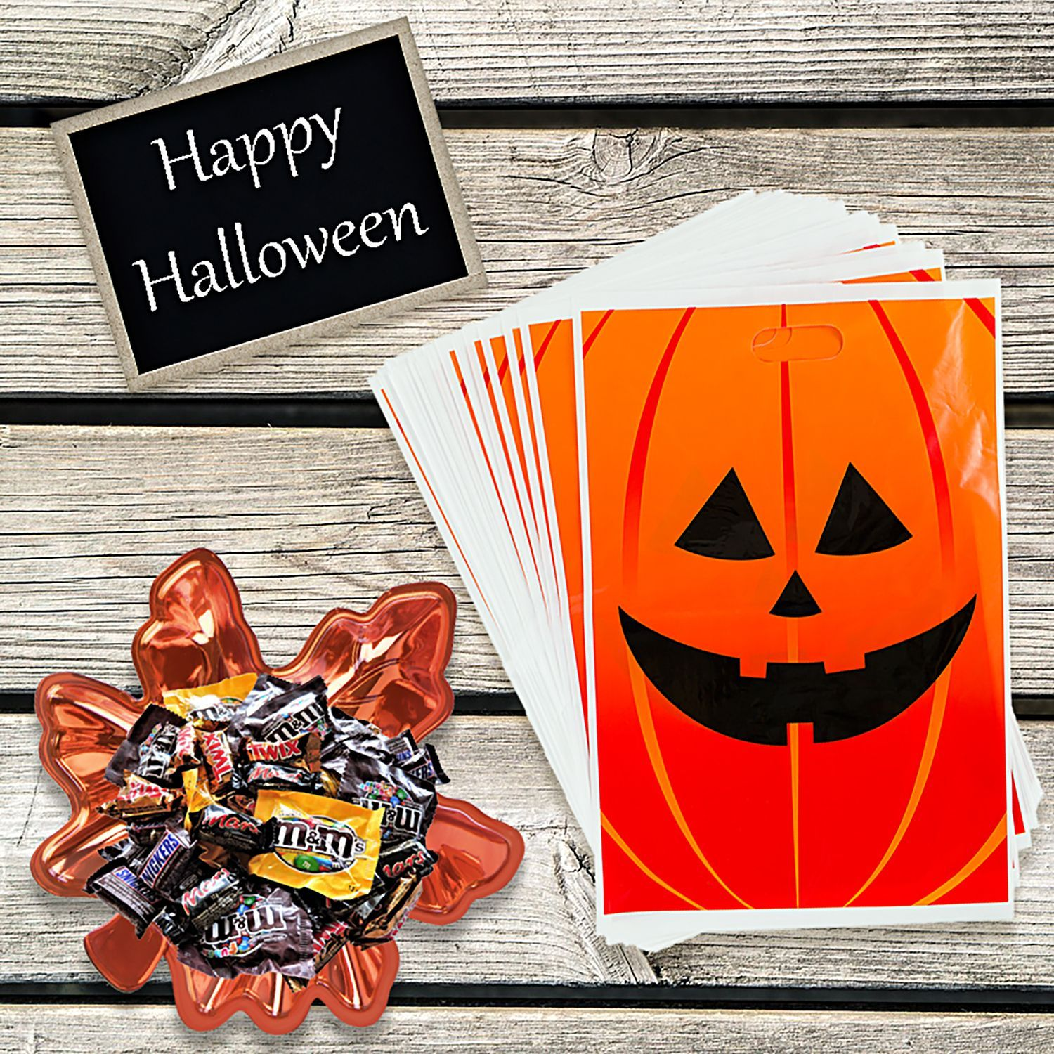 Halloween is a few days away! Use these goody bags for