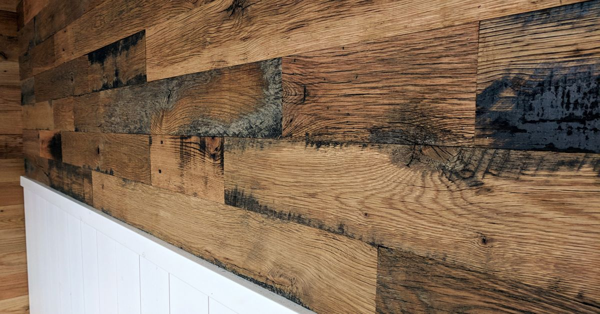 Oak Wall Planks Reclaimed Oak Wall Paneling In 2020 Reclaimed Oak Reclaimed Wood Wall Panels Wall Planks