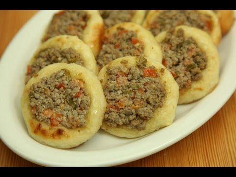 طريقة عمل صفيحة بالبندورة من زيتونة Armenian Recipes Recipes Cooking Recipes