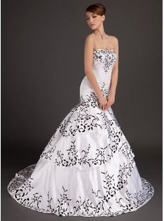 Trumpet/Mermaid Sweetheart Sweep Train Satin Wedding Dress With Embroidered (002015509) - JJsHouse
