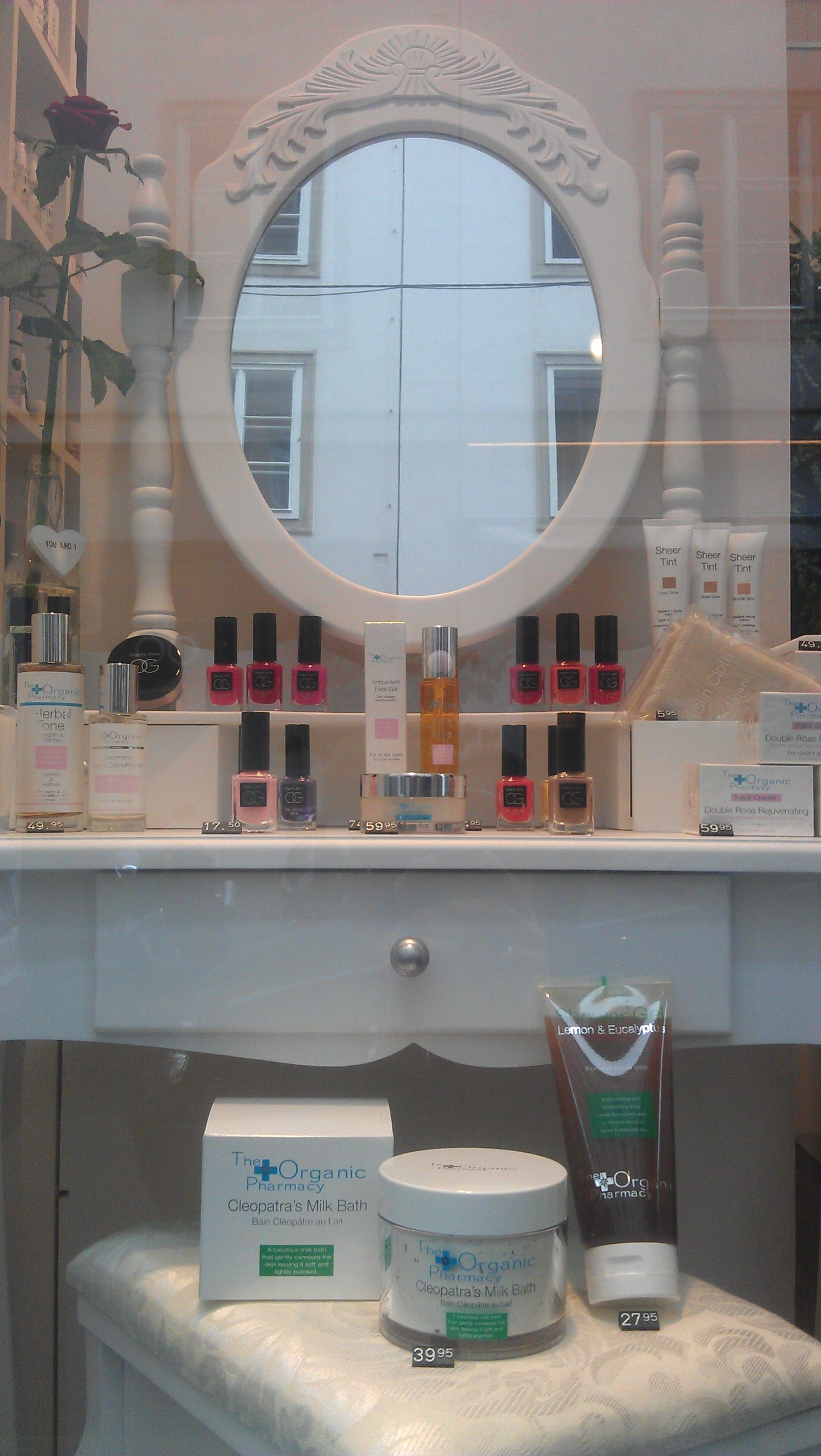 The Organic Pharmacy organische Hightech Pflege aus London & Organic Glam Non-Toxic Nagellacke und Make-up