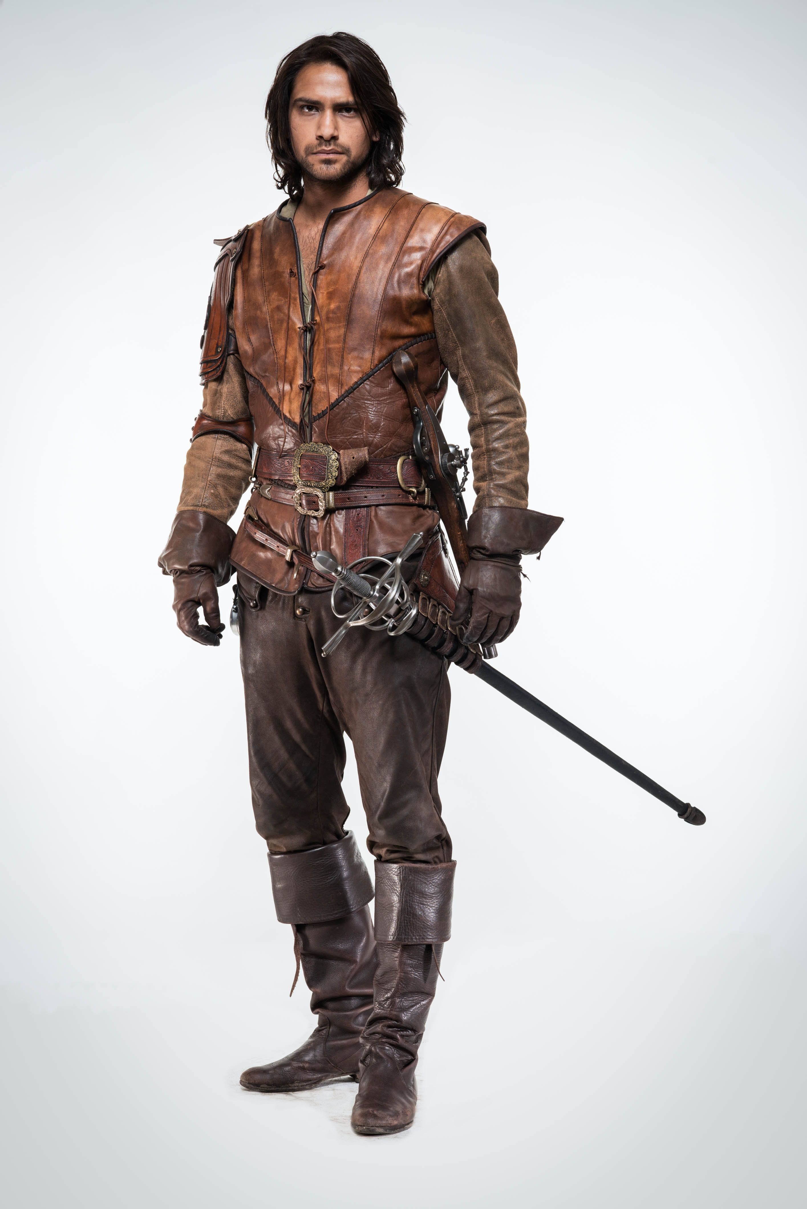 The-Musketeers-Season-2-Cast-Photo-D-Artagnan-the-musketeers-bbc-37863852-2830-4240.jpg (2830×4240)