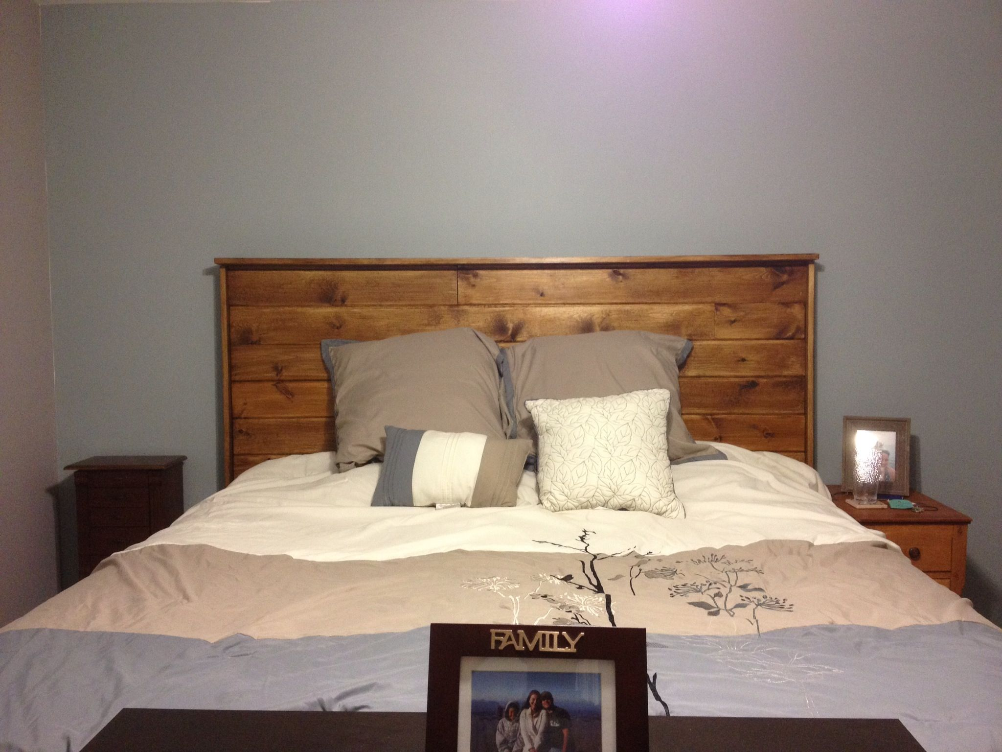 Homemade headboard for king size bed home decor for Makeshift headboard