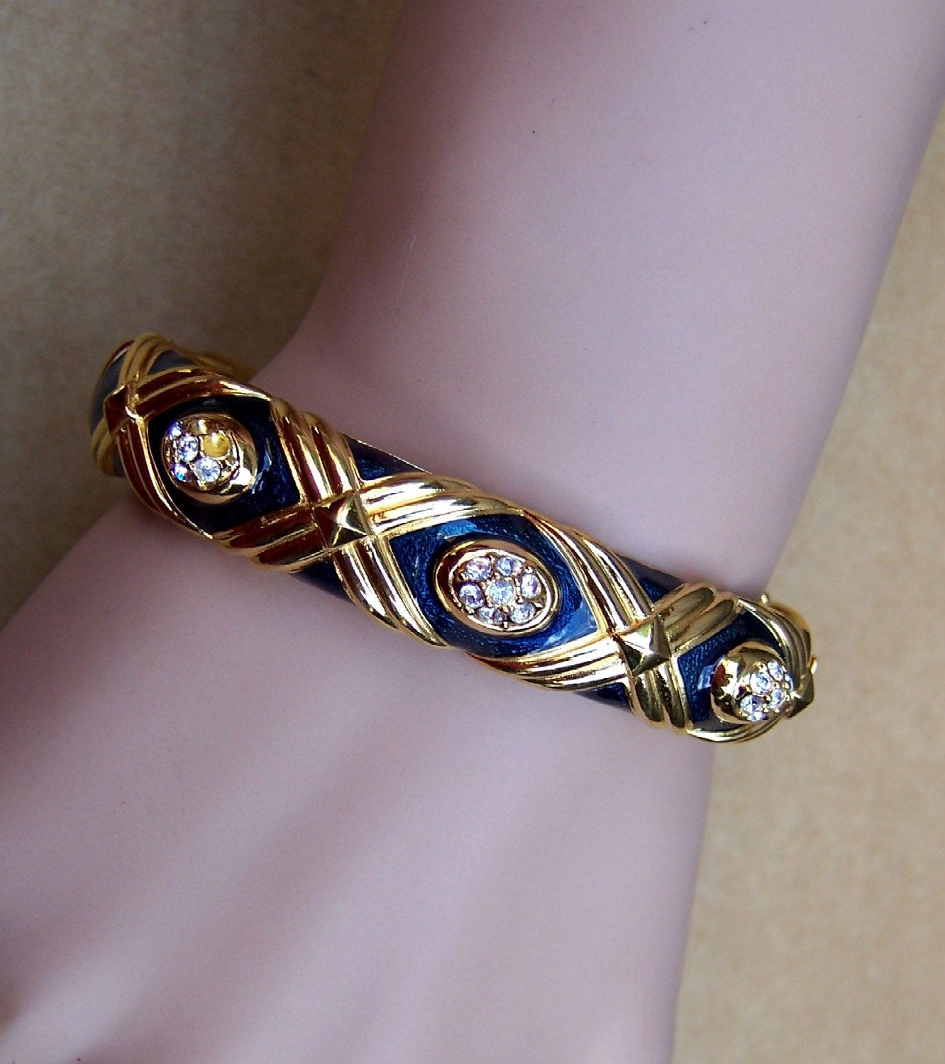 gallery estate in premier lane kenneth rhinestone rainbow bracelet kjl products gem colors clamper