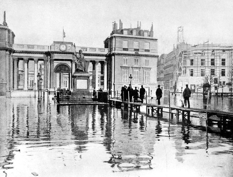 La Seine déborde mais ces Photos d'Archives de 1910 à