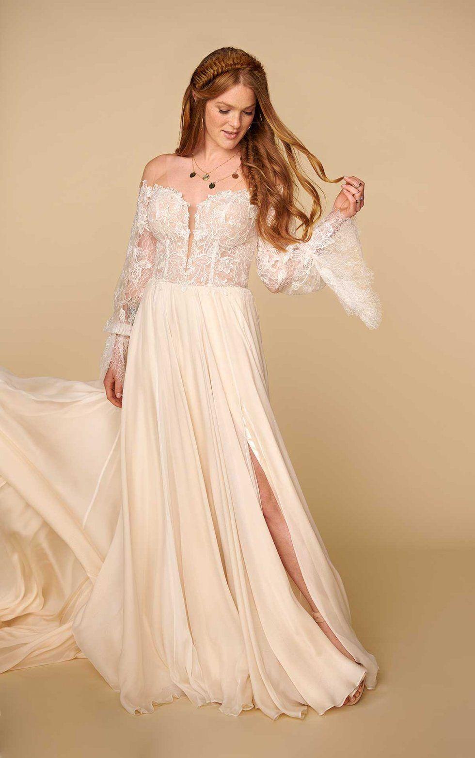 Finn Wedding Dress All Who Wander Boho Chic Wedding Dress Chic Wedding Dresses Bohemian Chic Weddings [ 1563 x 980 Pixel ]
