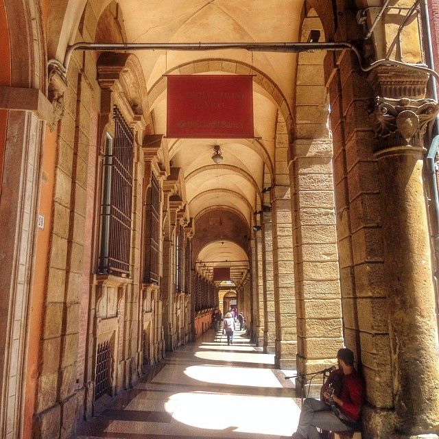 The beautiful arcades of Bologna - Instagram by 1step2theleft