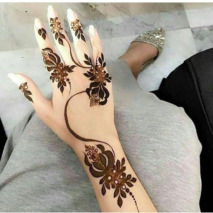 1 147 Likes 14 Comments صور حناء للعرض فقط Vip541 On Instagram شرايكم الراعي الرسمي للحساب مج Henna Designs Hand Khafif Mehndi Design Henna Designs