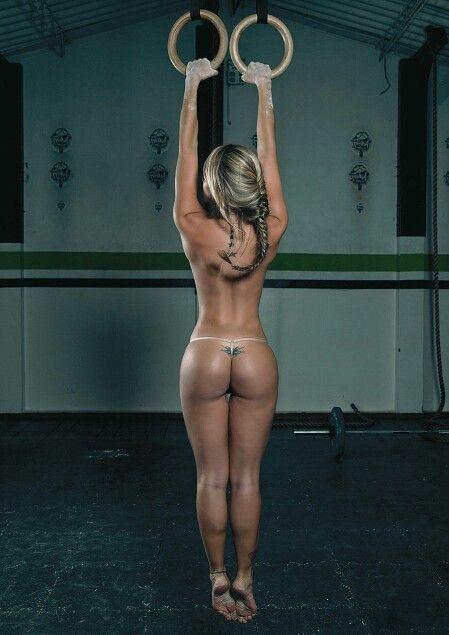 фото девушек фитнес голых