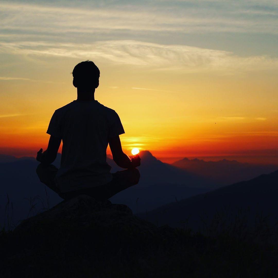 Beautiful Sunset😍☀️ . . . . . #fitnessfam #fitnesspro #yogaaddict #gymbeast #yogat...