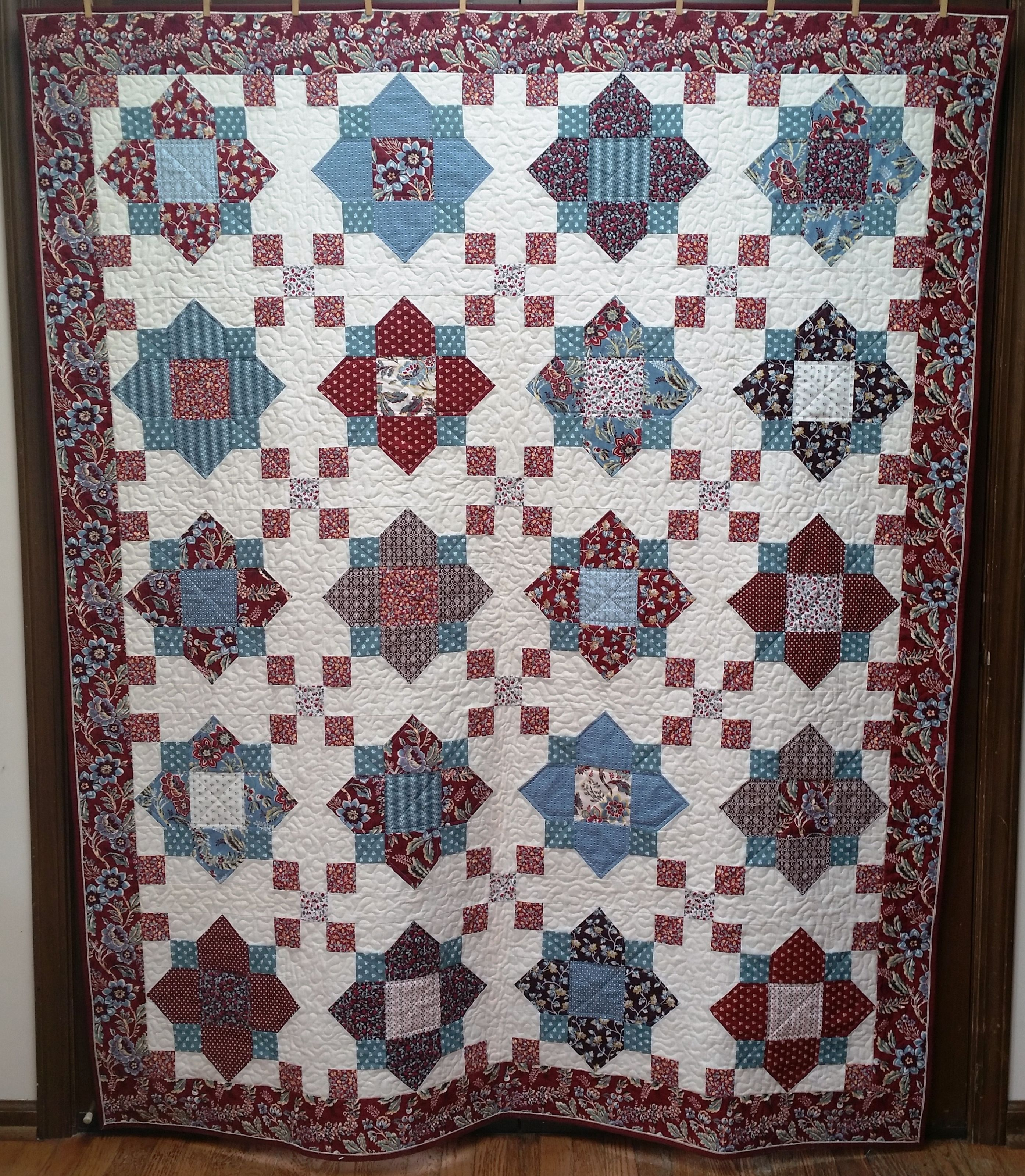 Quatrefoil quilt for my mother-in-law. Pattern from Missouri Star ... : missouri quilt company binding tutorial - Adamdwight.com