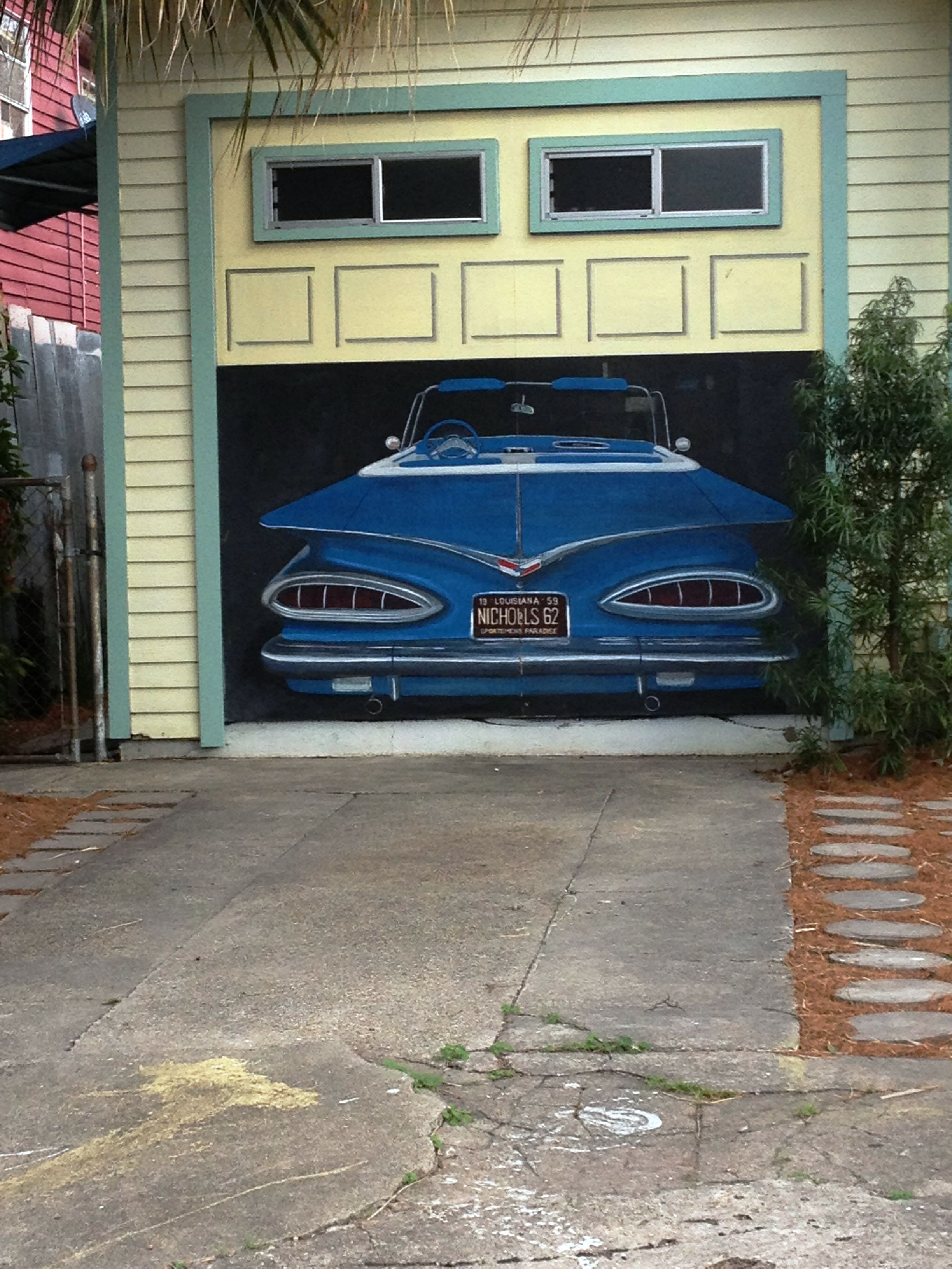 New orleans thats a painted garage door dont know whats inside a 59 chevy maybe