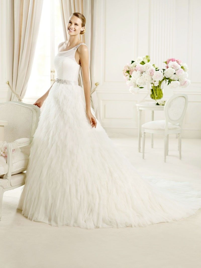 Wedding dresses with train  Wedding Dresses Wedding DressesLuxurious Princess Oneshoulder