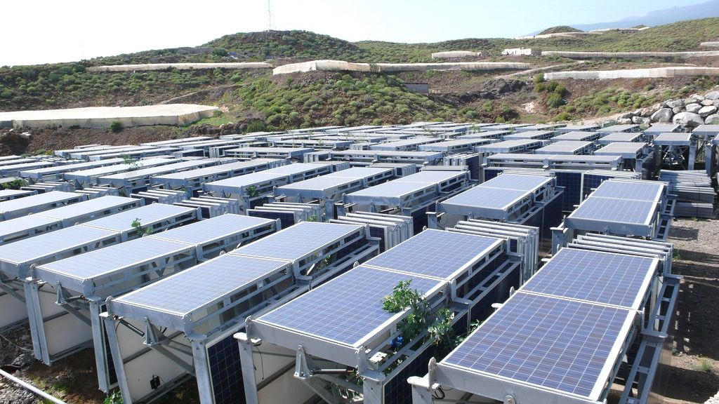 Solar Energy 1kw Cost In India Choosing To Go Earth Friendly By Converting To Solar Technology Advantages Of Solar Energy Renewable Solar Solar Energy Panels