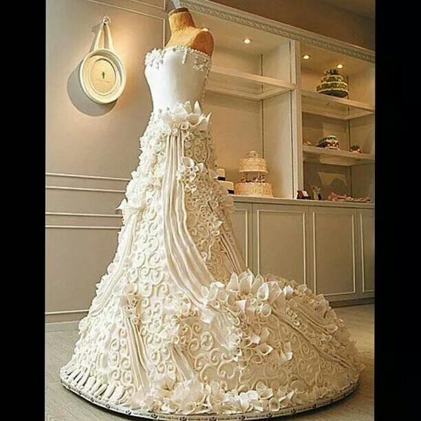 Amazing life size dress wedding cake