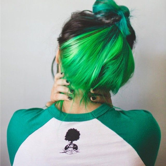 Popular Pinsta Me Explore All Instagram Online Green Hair Colors Hair Color Underneath Hidden Hair Color