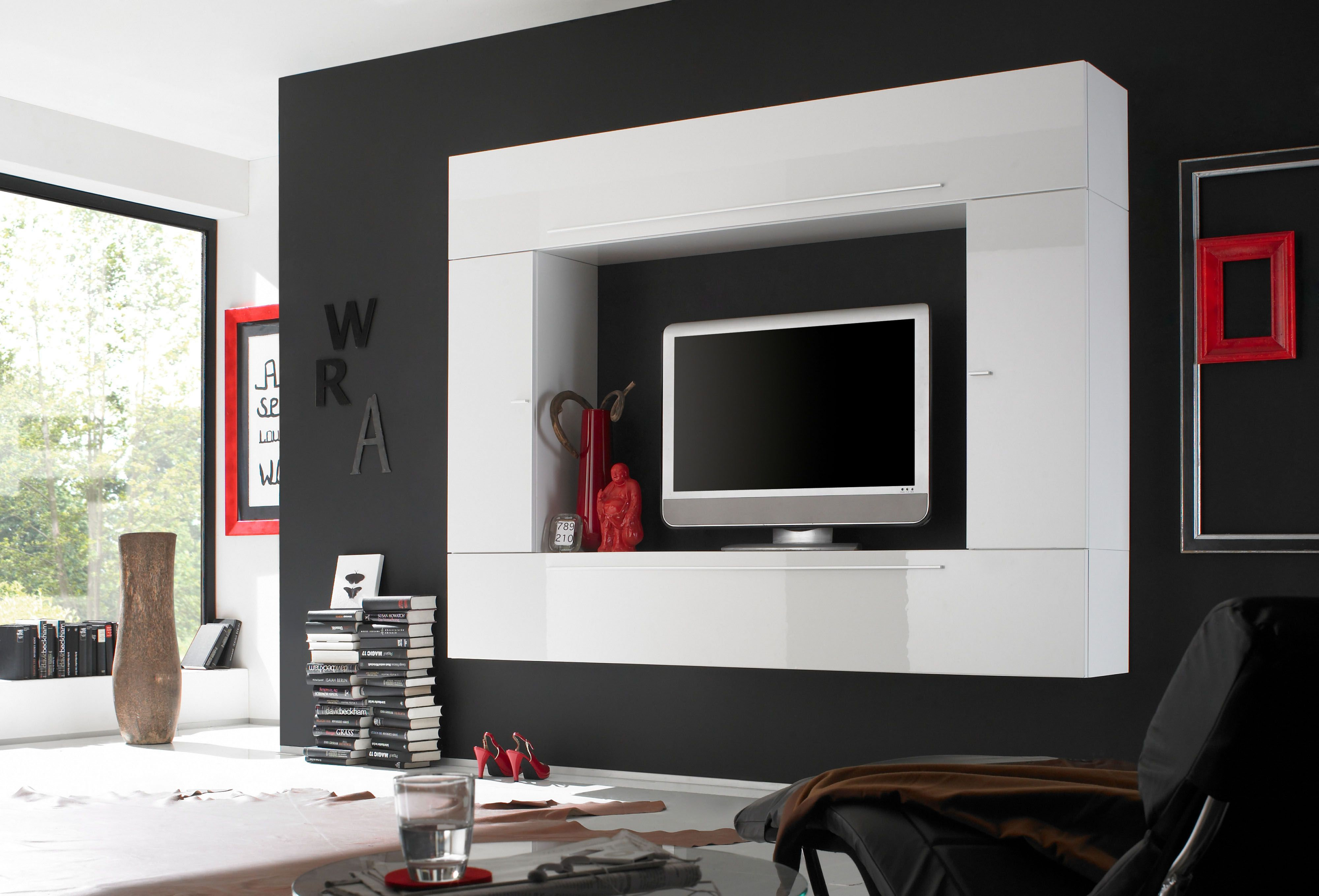 Lacquered Contemporary Wall Unit With Plenty Storage Space With