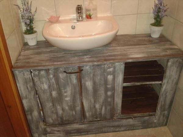 16 Inspired Pallet Furniture Ideas Pallet Bathroom Pallet