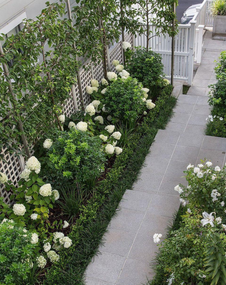 Inspiring Small Courtyard Garden Design for Your House Small