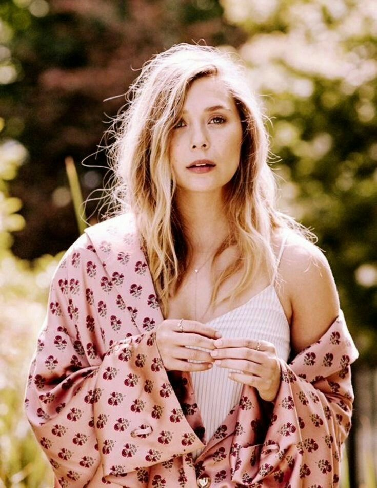 Elizabeth Olsen Scarlet Witch Martha Marcy May Marlene Woman Crush Ashley Pretty Girls Witches Iphone Wallpapers Divas Beauty