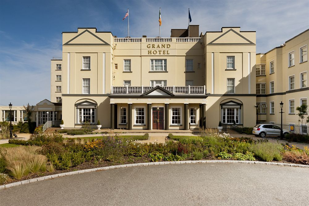 Book The Grand Hotel Just 10 Km Mi From Dublin Airport Is Within 800 Meters Of Malahide Train Station Castle