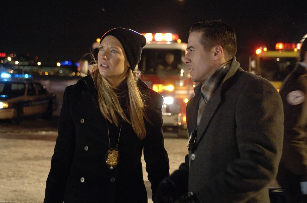 Fringe TV Series Anna Torv 500 Stills Pictures | DVDbash