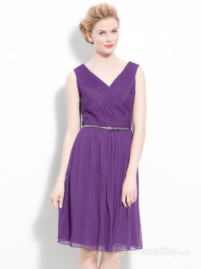Such a flattering colour and shape. | Vestidos modestos y hermosos ...