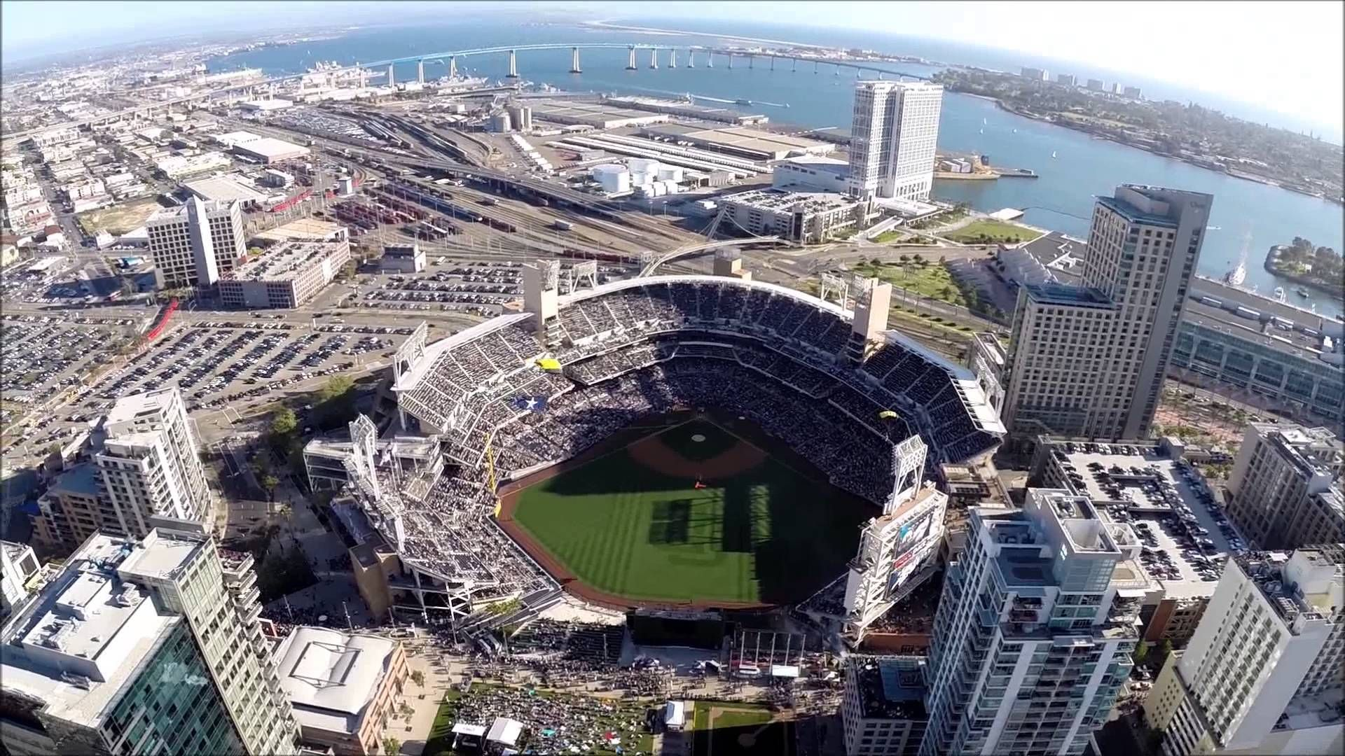 Leap Frogs At Padres Home Opener Mlb Stadiums Skydive San Diego