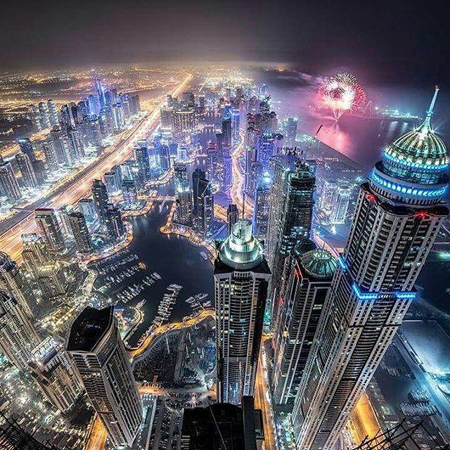 Dubai night _ ©@kiwikeow
