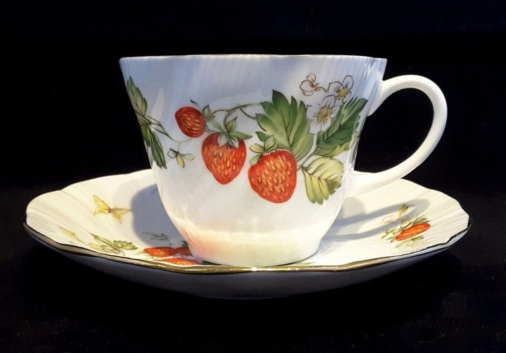 6 rosinaqueensringtons teavirginia strawberrycups 6 rosinaqueensringtons teavirginia strawberrycups saucers seraphimslair see etsy ebay twitter facebook instagram for antique negle Image collections