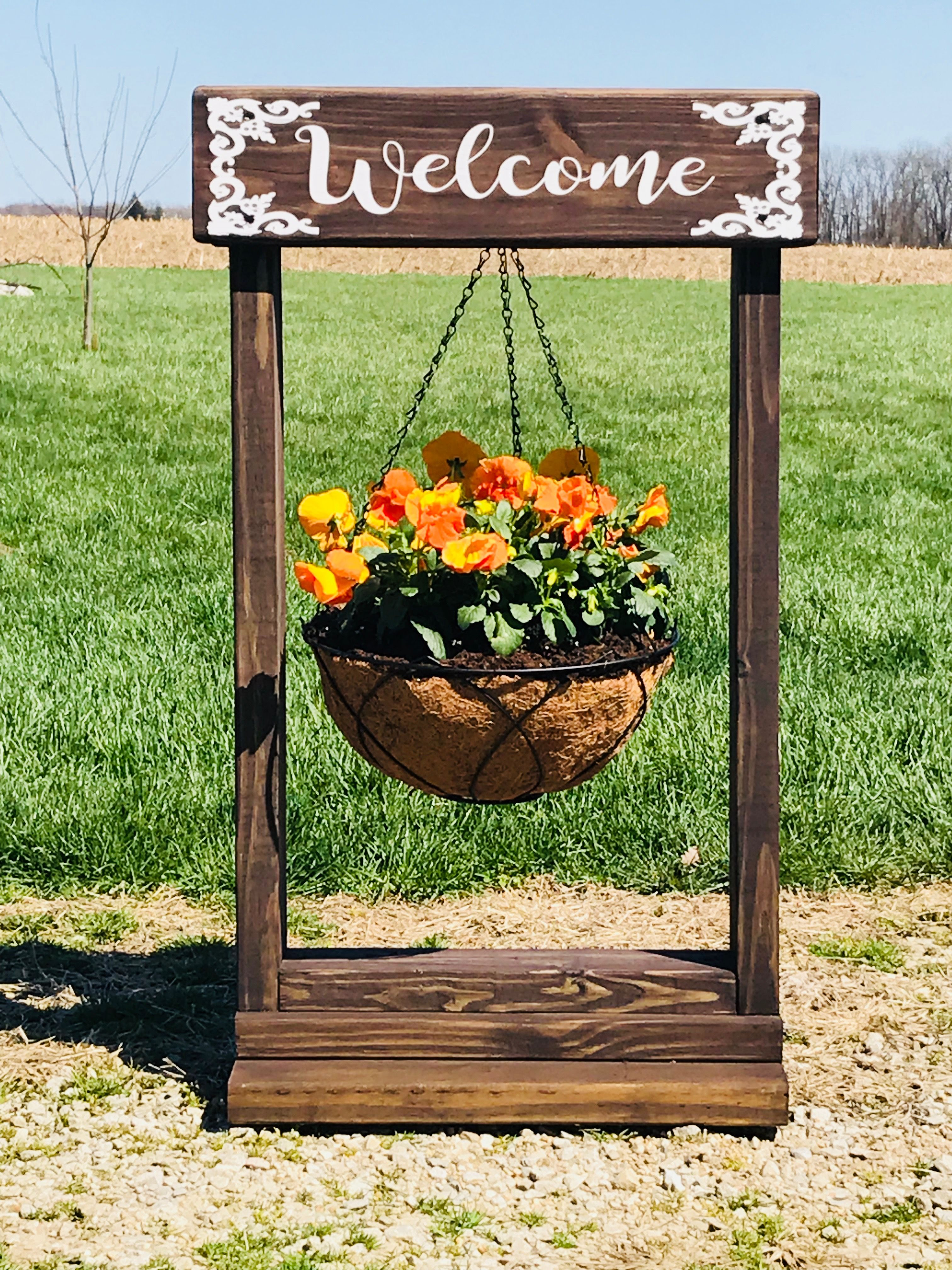 Hanging plant stand | Diy wood projects, Hanging plants ... on Hanging Plant Stand Ideas  id=91632