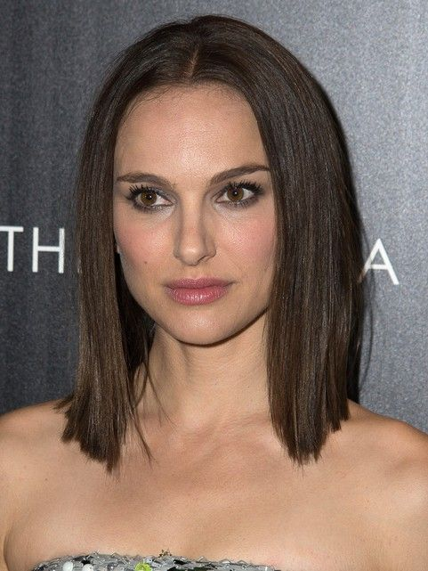 80 Medium Hairstyles For 2021 Celebrity Haircut Trends Pretty Designs Medium Hair Styles Hair Evolution Medium Length Hair Styles