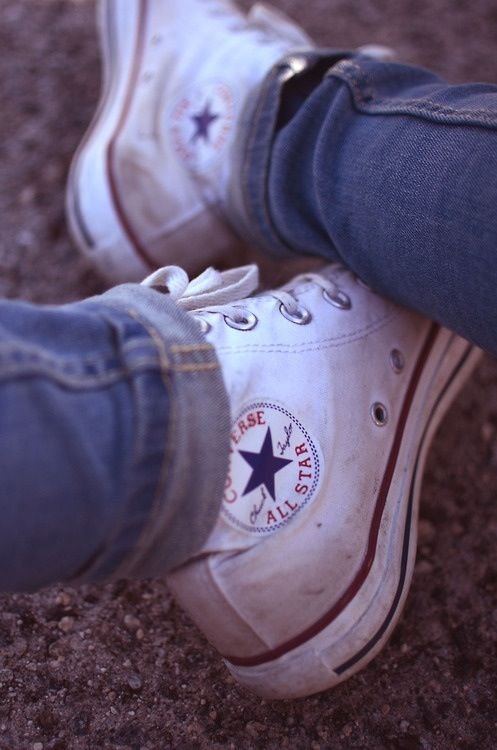 Old and white | Converse, Me too shoes