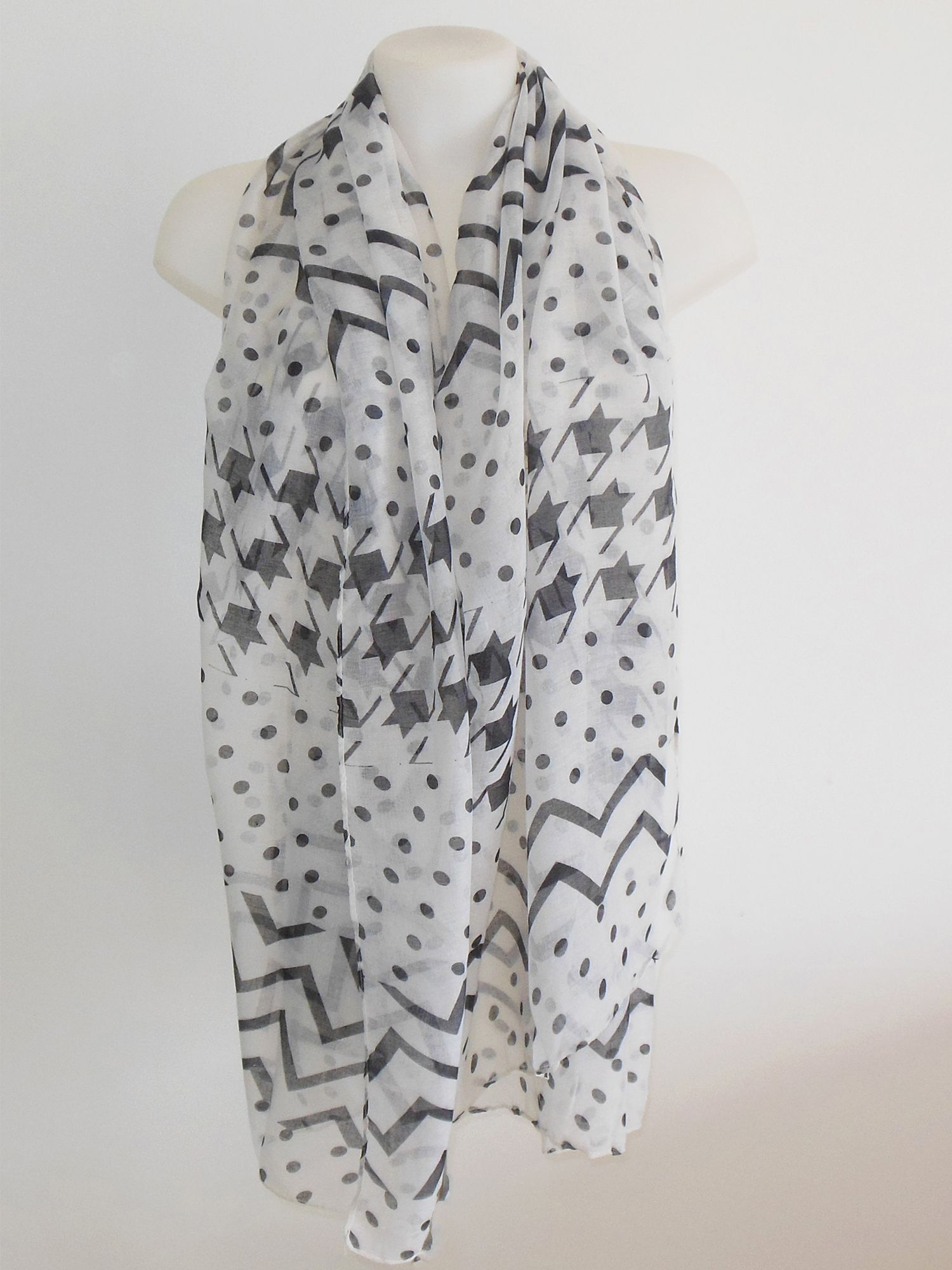 9d3e1015bea Épinglé par Milena Moda bijoux et accessoires tendance sur Foulards ...