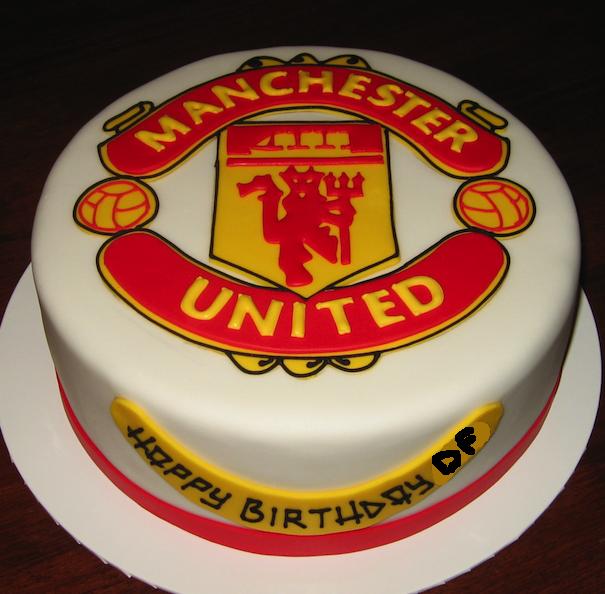 Surprising Early Bird Chat Manchester United Cake Soccer Birthday Cakes Funny Birthday Cards Online Inifodamsfinfo