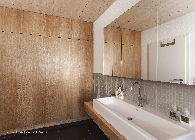 Behaglichkeit fürs Badezimmer. Ein Baderaum von HolzHaus ...