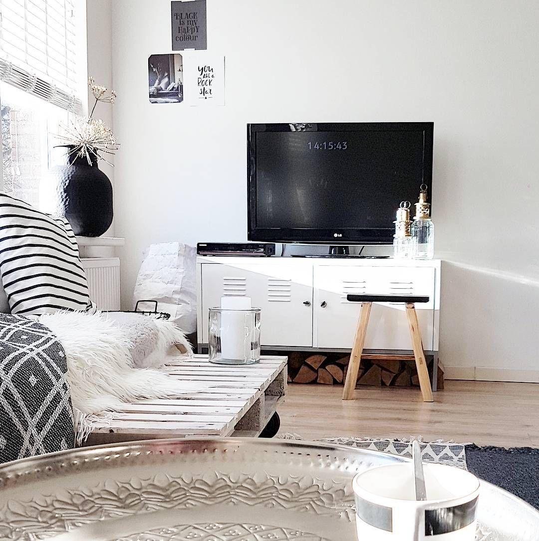 De IKEA PS Kast Thuis Bij @debsinterior23 | #IKEABijMijThuis IKEA  IKEAnederland Wooninspiratie Inspiratie Tvmeubel