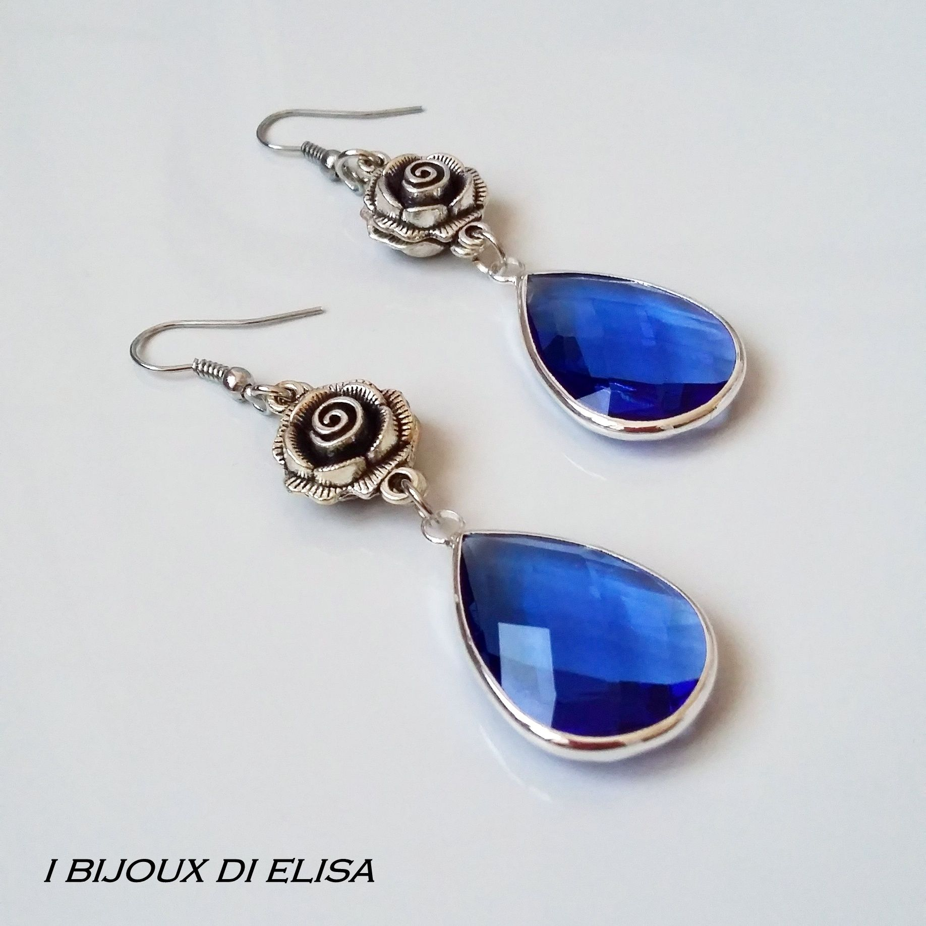 "Blue crystals in my new collection ""Preziosa"": discover it on my etsy shop!   #earrings #blue #blueearrings #elegantearrings #ibijouxdielisa #handmade #artigianato #jewels #jewel #bijoux #costumejewelry #drop #rose #roses #orecchini #etsy #etsyseller #etsyshop #etsystore"