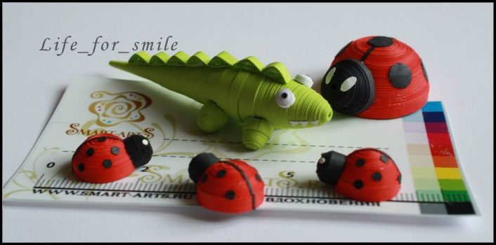 green crocodile/lady bugs quilled