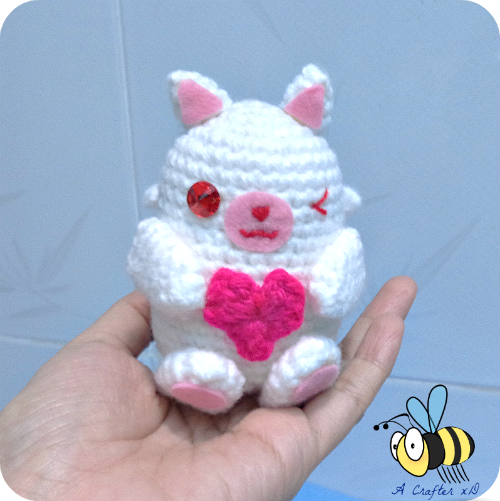 Free Pattern.  Such a sweet and Cupid style toy. Would make a nice and fun crochet project for Valentines.