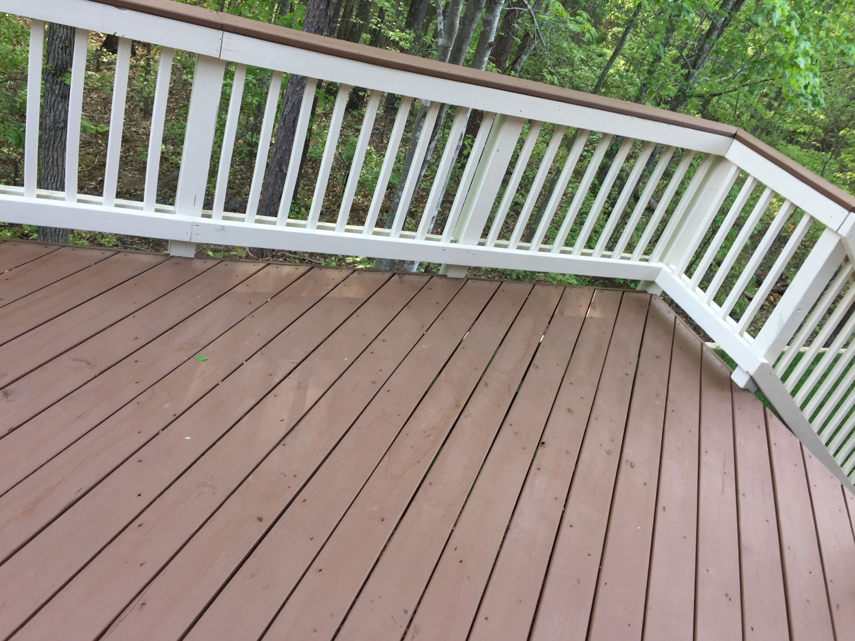 Sherwin Williams Deck Stain In Pinecone And Rail Paint In Navajo White Two Toned Deck Color Idea Deck Colors Sherwin Williams Deck Stain Deck Paint