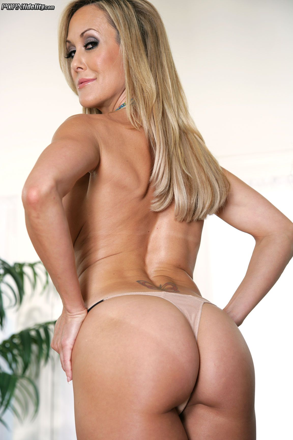 Brandi Love Takes It In The Ass