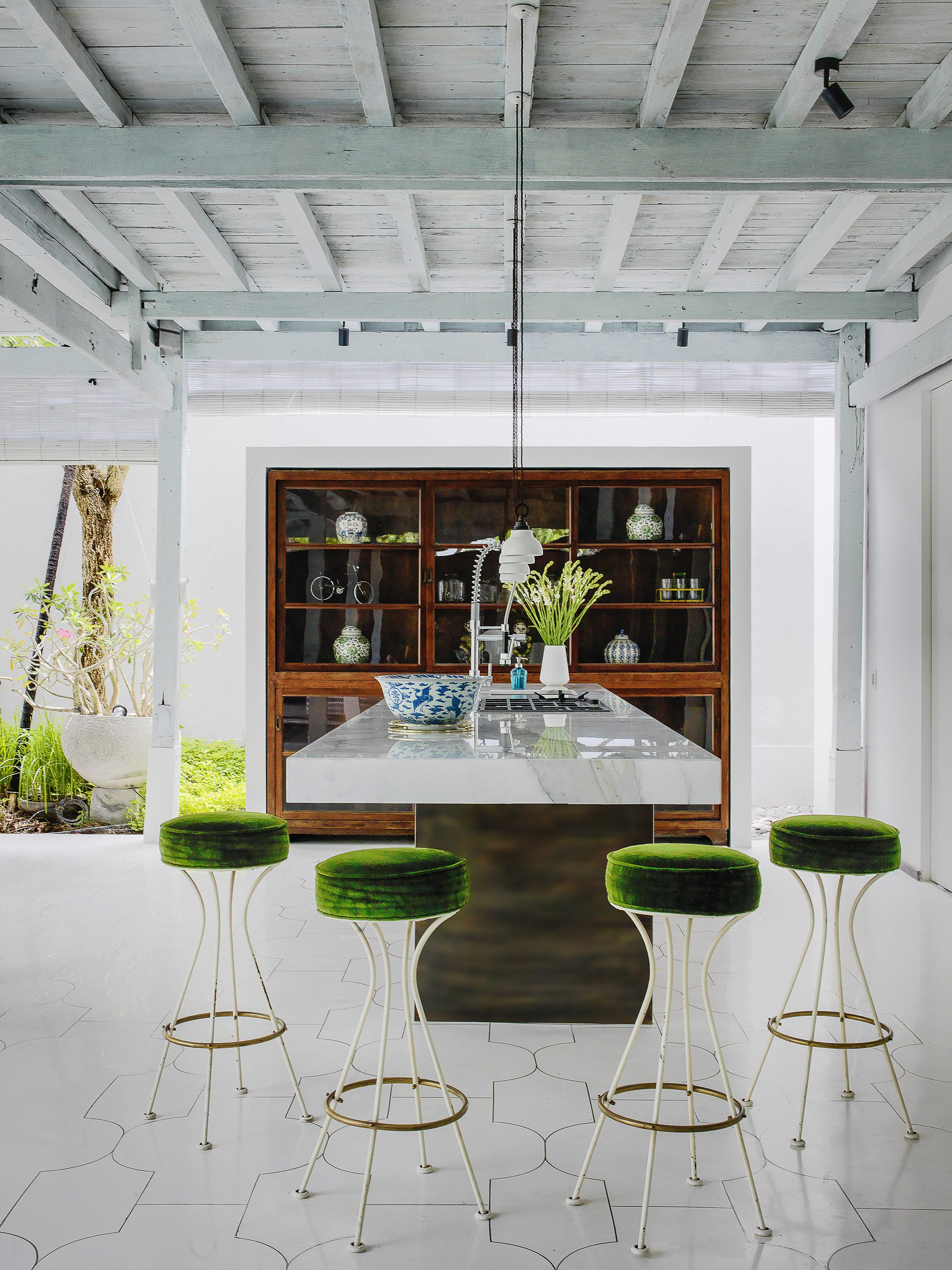 Villa enchanting outdoor kitchen interior decorating mansion home decoration also  decor rh pinterest