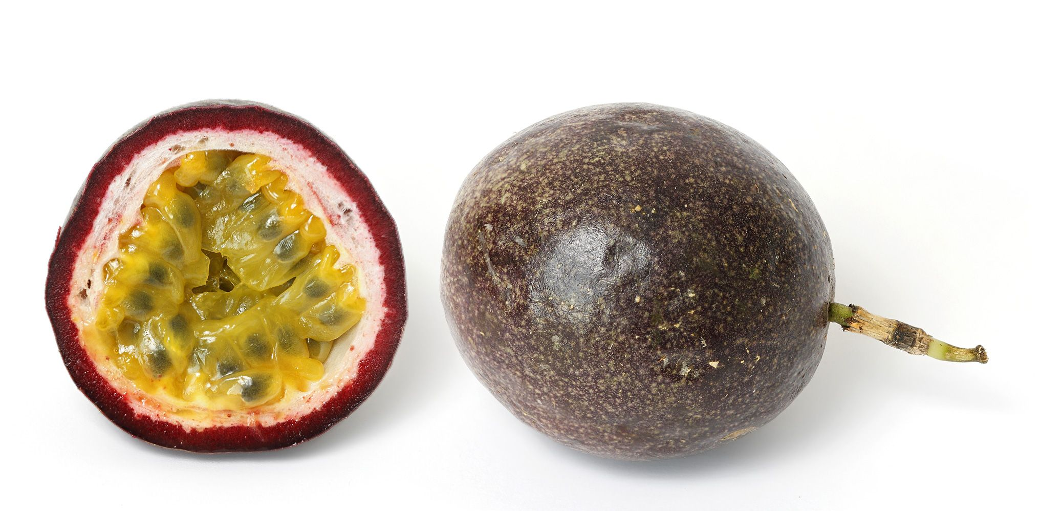 Passion Fruit Cross Section In 2020 Passion Fruit Fruit Fruits And Vegetables