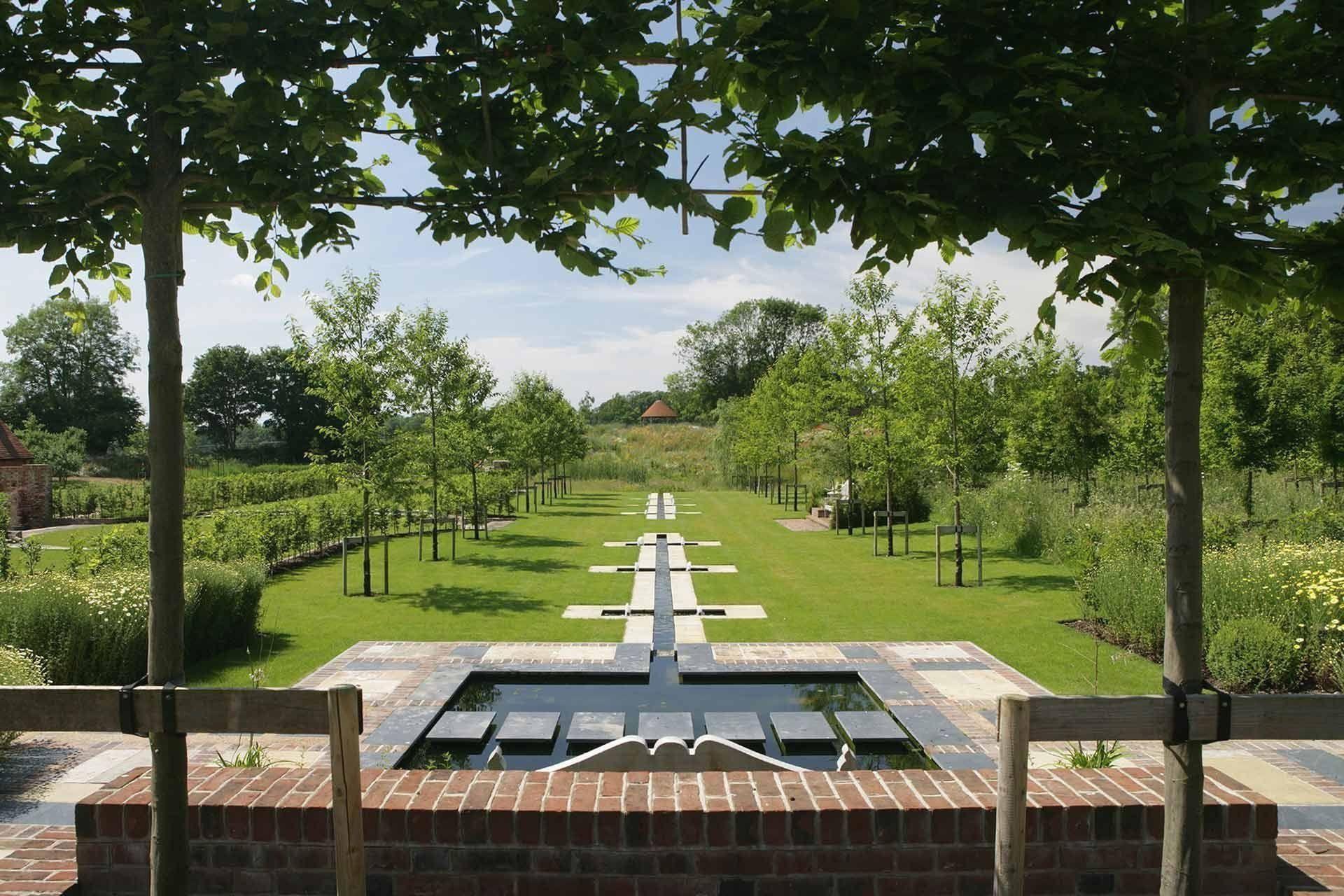 Garden And Landscape Designers Cheltenham Gloucestershire Cotswolds Www Ch 1000 In 2020 Garden Design Water Features In The Garden Landscape Design Melbourne