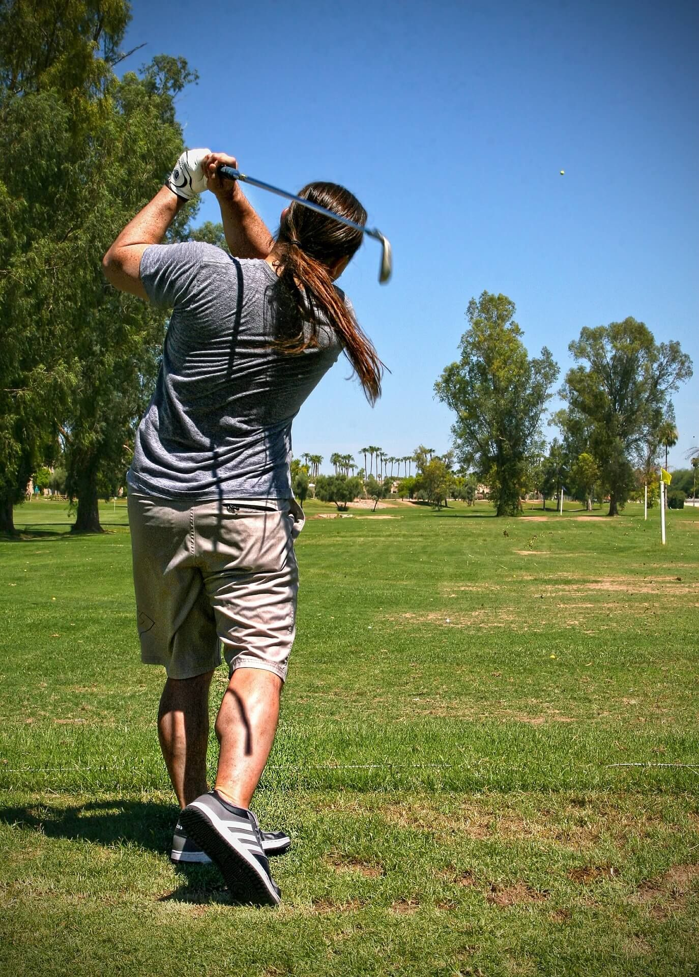 Choosing a Golf Outfit For Your Wedding