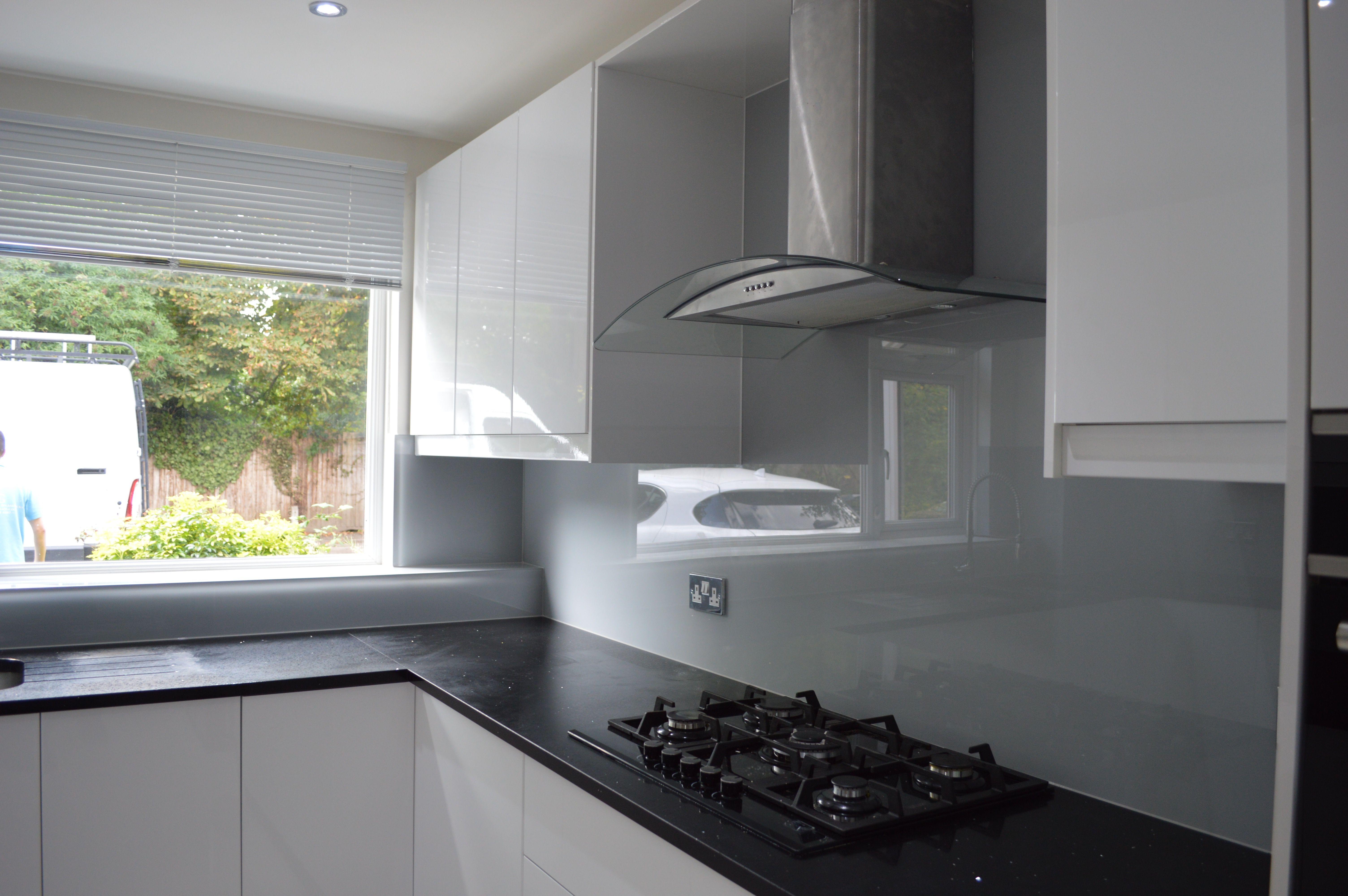 Grey Glass Splashback And Black Worktop Grey Kitchen Walls Grey