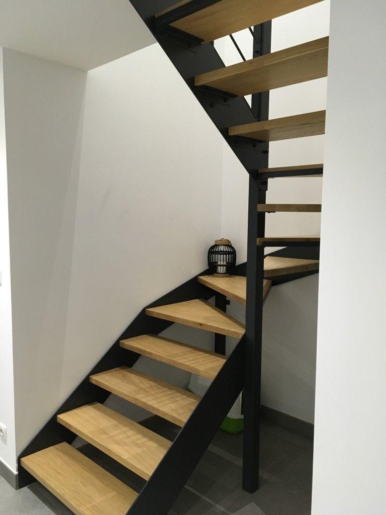 Escalier Metallique A Limons Lateraux En Acier Et Marches En
