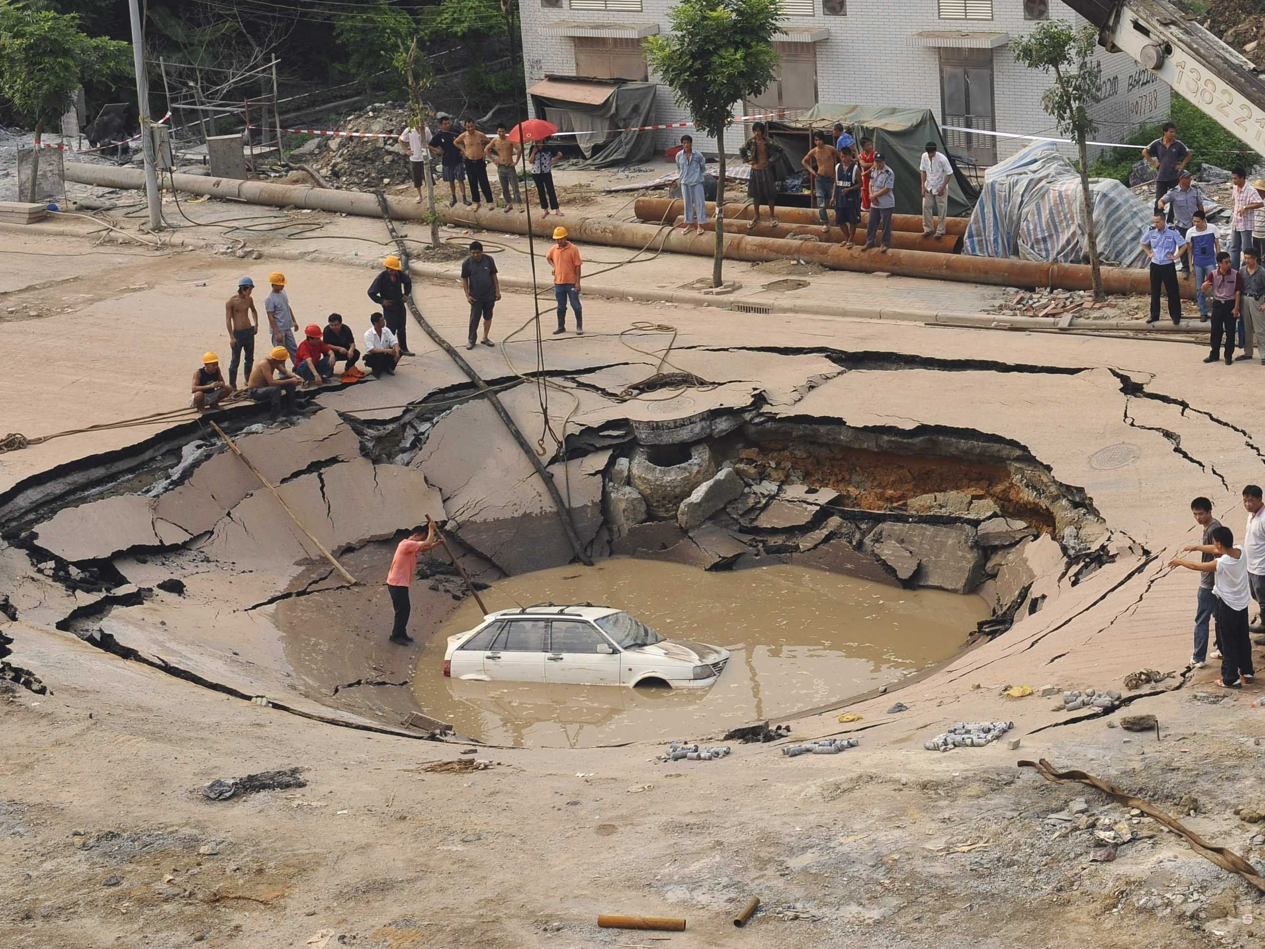 What Is a Sinkhole? | Wonderopolis