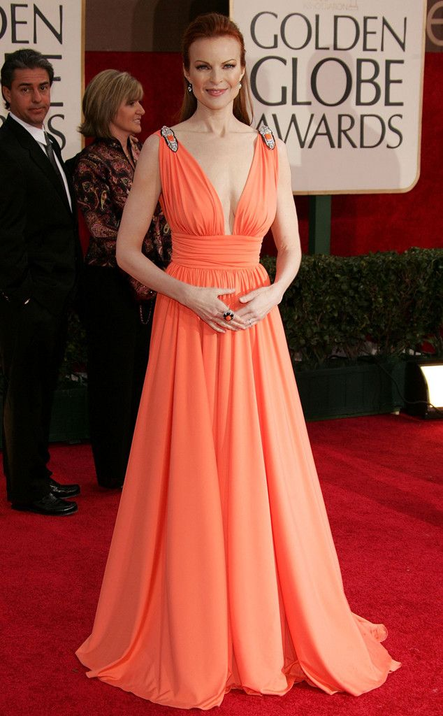 Photo 671268 From A Colorful History Of Golden Globes Fashion In